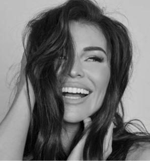 Jess Wright – The New Face Of Simone Thomas Wellness